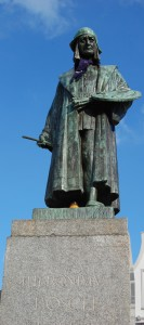 the statue of Jheronimus Bosch at the place where he grew up